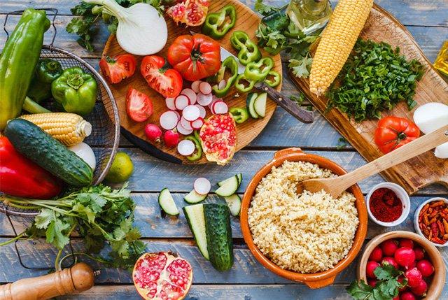 Dinh dưỡng bảo vệ sức khỏe người cao tuổi mùa dịch